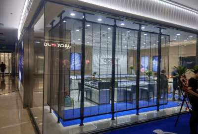 Indoor LED transparent screen: indoor creative display innovator
